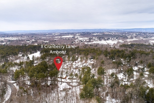 8 Cranberry Lane Amherst MA 01002
