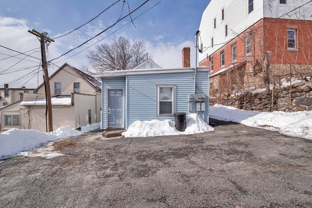 4 Shelby Place Worcester MA 01605