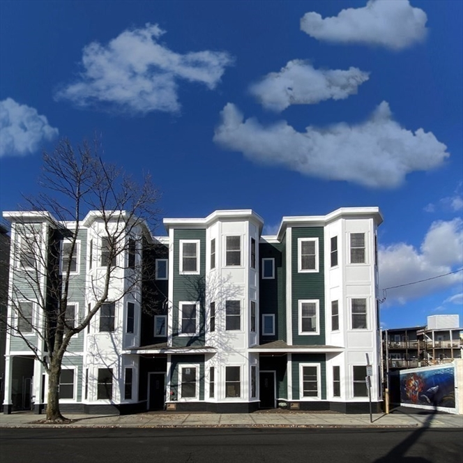 256 Bremen Street, Boston, MA Image 11