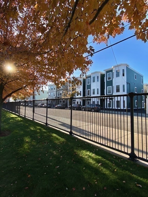 256 Bremen Street, Boston, MA Image 9