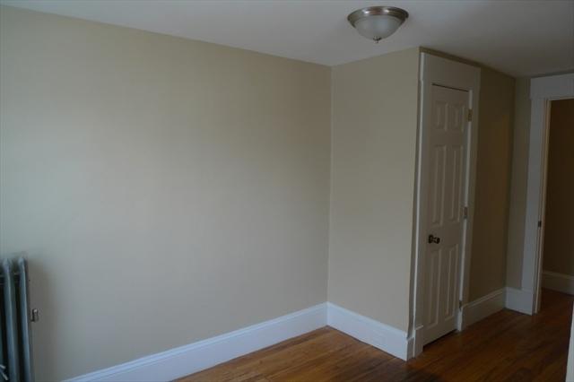 202 Dunmoreland Street Springfield MA 01109