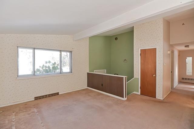 30 Carlton Drive Holliston MA 01746
