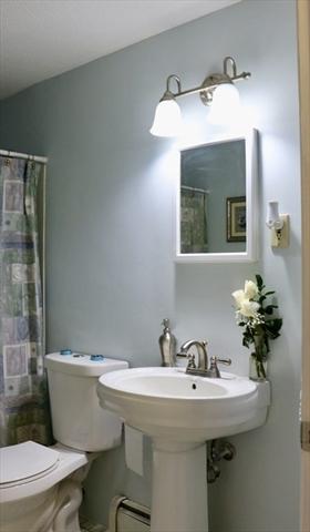 10 Torrington Lane Westford MA 01886
