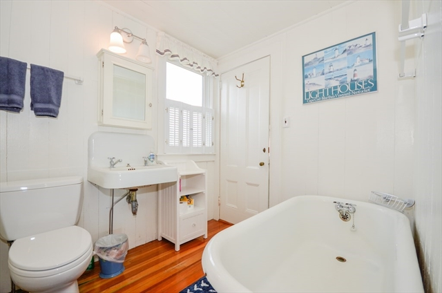 18 Point Rd - Weekly RENTAL Marion MA 02738
