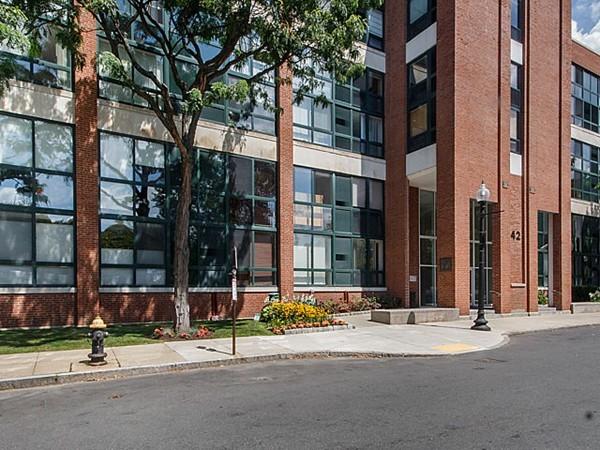 42 8th Street Boston MA 02129