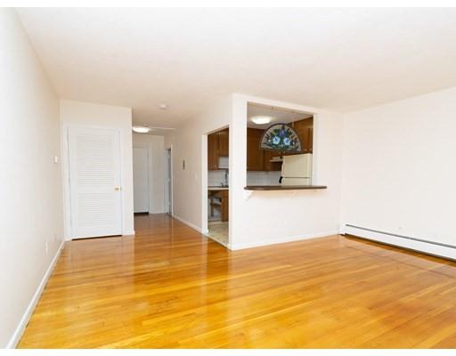 Studio, 1 Bath home in Boston for $209,000