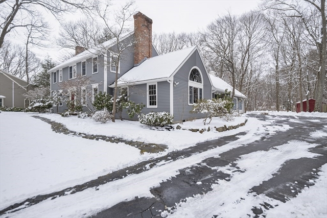 3 Manor Hill Road Hamilton MA 01982