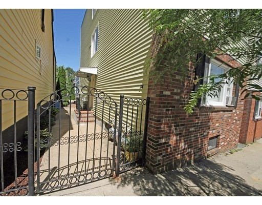 Property for sale at 14 Monument St - Unit: B, Boston,  Massachusetts 02129