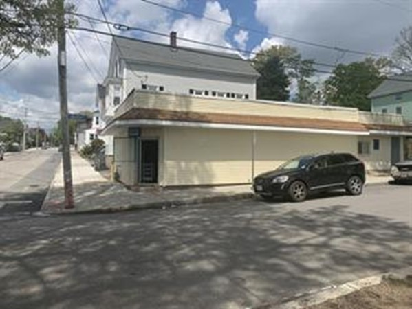 Free Standing 1,256 SF building across from Ruggles Park FOR SALE !! Could be split into 2 business as one side has an entry & exist, a take out window & kitchen. If your looking to start working for yourself and grow your own equity, this may be the opportunity for you! Vacant easy to show