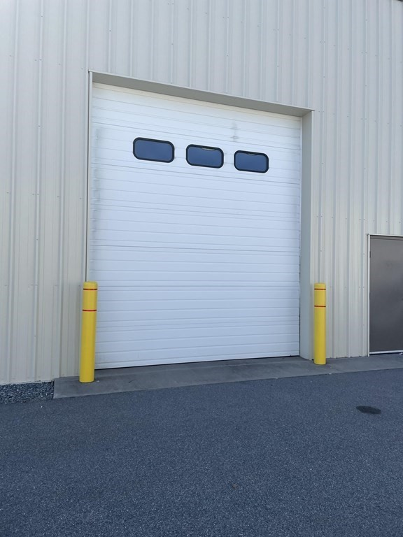 FAIRHAVEN- Right off Exit # 18, Easy on Easy off to Rt. 195, 24 and 495.COMMERCIAL/BUSINESS SPACE, 2,100 SQ. FT. with 18 foot overhead door.,sprinkler system, alarm,Perfect for a Retail Business, or plumbers, electrician's to store truck and or supplies.