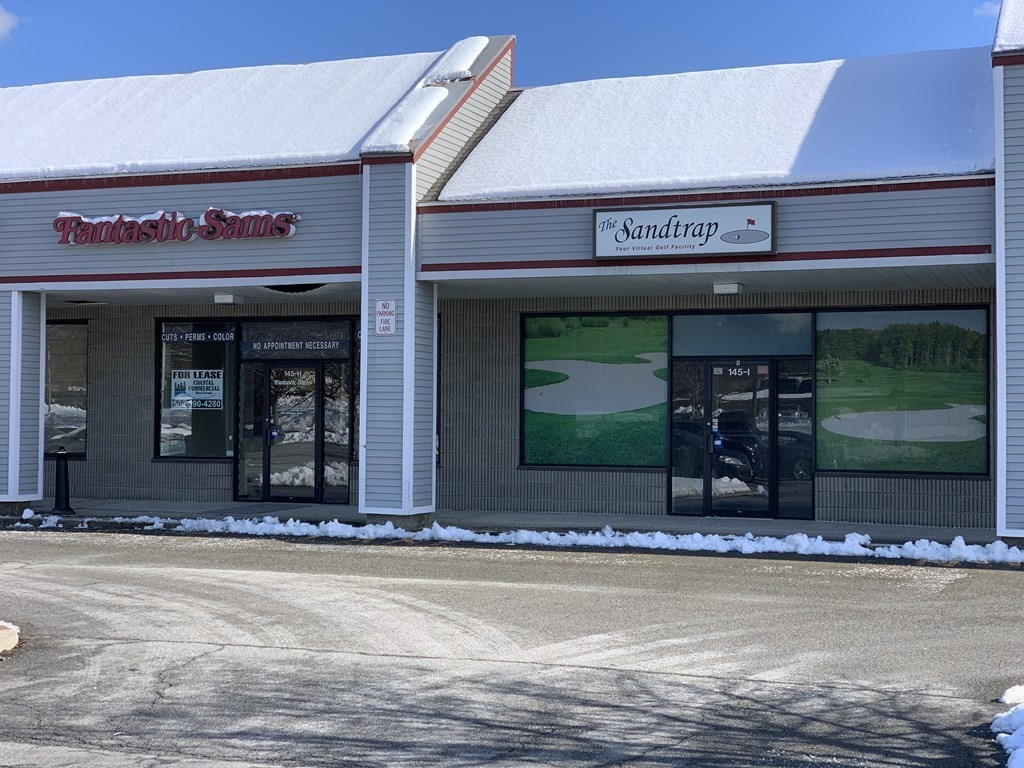 Fantastic Location on Busy Faunce Corner Mall Road!  Choice of 3 Spaces interconnecting with a total of 5,400 SF Spaces that can be combined. * Unit 2 /2,000 SF *  Unit 8 / 1,400 SF  *  Unit 9 / 2,000 SF. Call for your appointment !