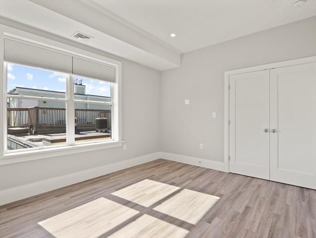 27 Vinton Street Boston MA 02127