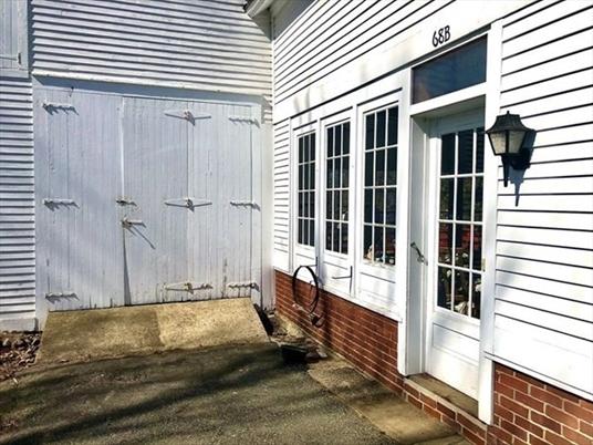 68 Main St, Northfield, MA: $329,900