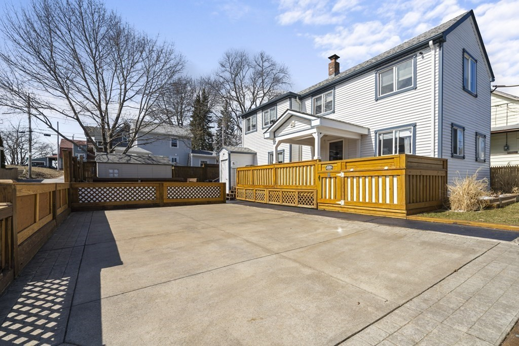Lovely 1930's built home in the heart of Riverside.  Well maintained, cozy, yet spacious home.  Waterviews and steps to Sabin Point Park.  An approximate 10 minute walk to The Carousel.   Fenced in yard and well placed decks for outdoor enjoyment and entertainment.