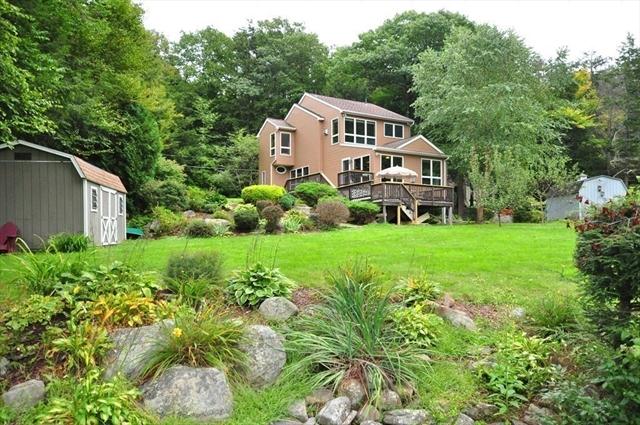 113 Norwich Lake Huntington MA 01050