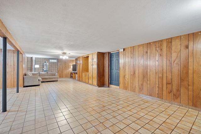 52 Douglas Avenue Leominster MA 01453