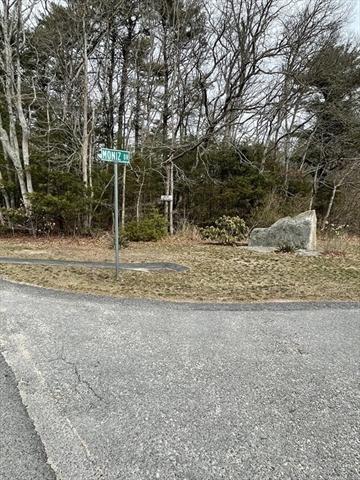 Moniz Drive Dartmouth MA 02769