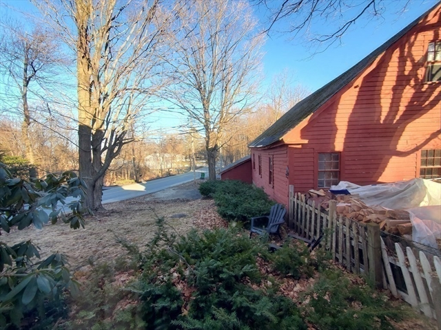 31 Kendall Hill Road Sterling MA 01564