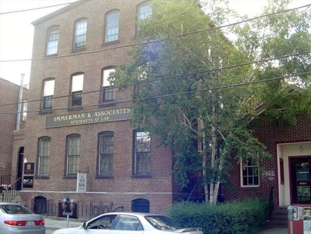 32 Masonic Northampton MA 01060