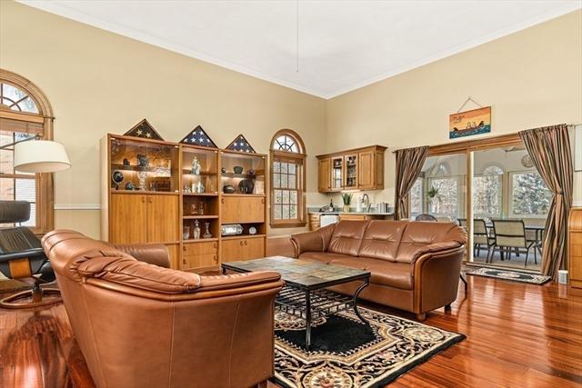 16 Avery Lane Andover MA 01810