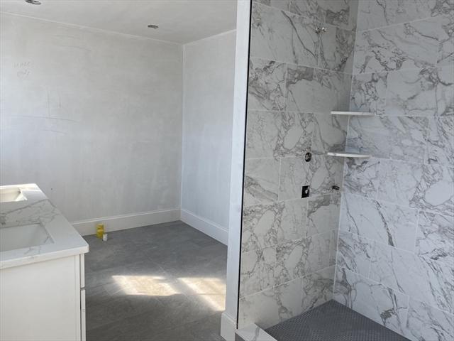 686 LEXINGTON Street Waltham MA 02451