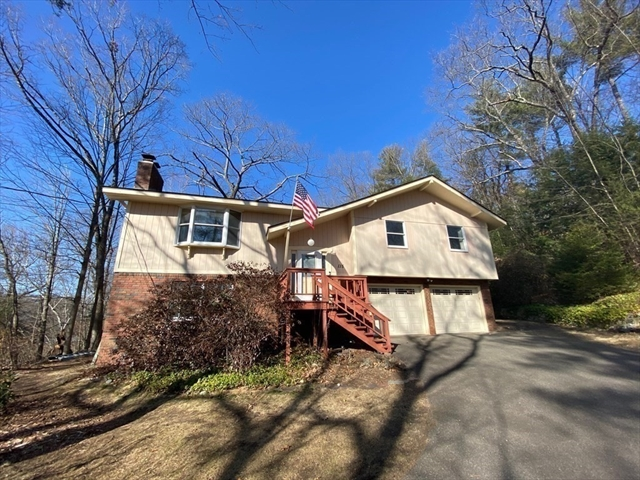 115 Sand Hill Road Amherst MA 01002