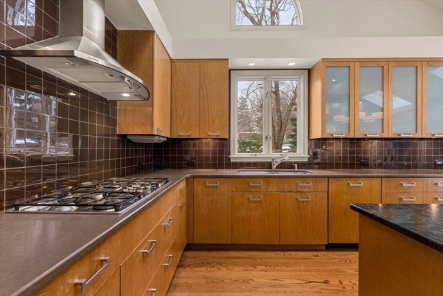 326 Highland Avenue Newton MA 02465