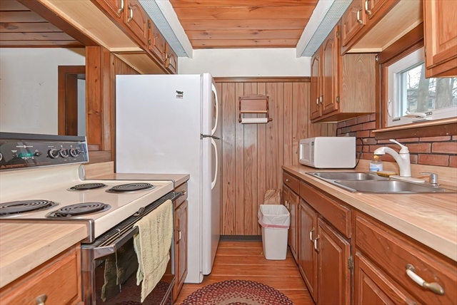 68 Lakeshore Drive Bellingham MA 02019