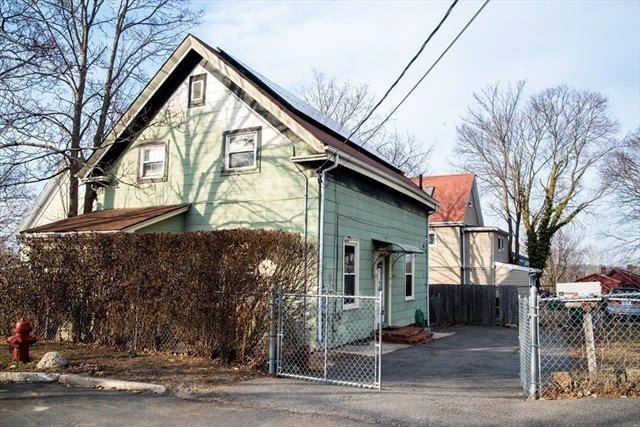 27 Carlton Street Lynn MA 01902