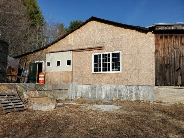 27 H Old Colony Road Hubbardston MA 01452
