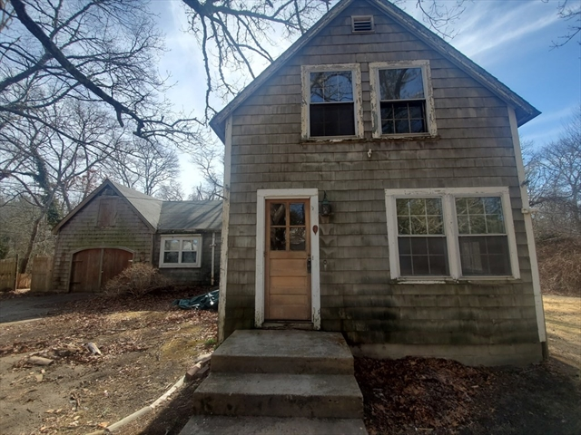 17 Highland Avenue Bourne MA 02532