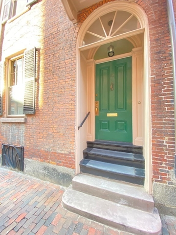 83 Myrtle Street Boston MA 02114