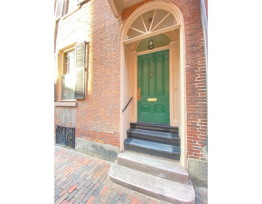 4 Beds, 3 Baths home in Boston for $2,850,000