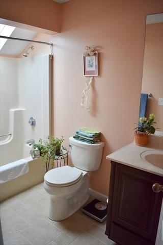 605 Fairway Village Northampton MA 01053
