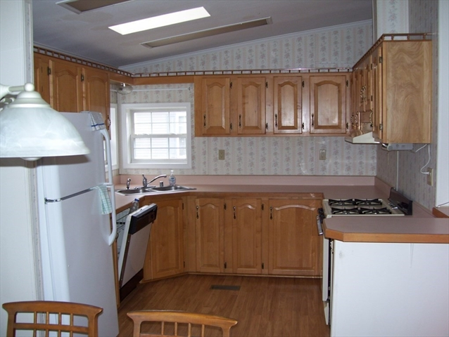 36 GREEN HOLLY Drive Kingston MA 02364