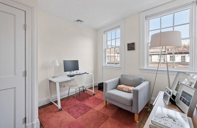 8 W Hill Place Boston MA 02114
