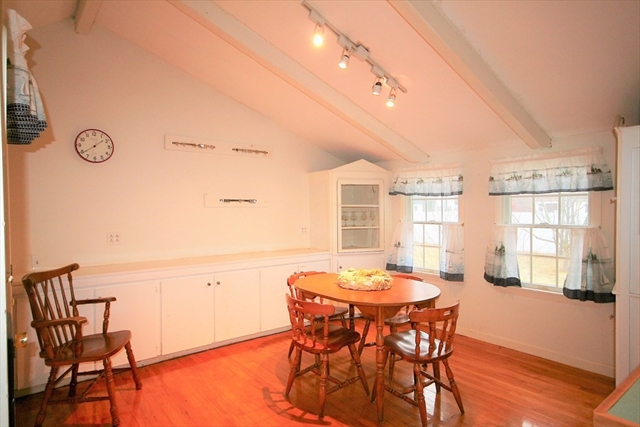 3 English Street Falmouth MA 02536