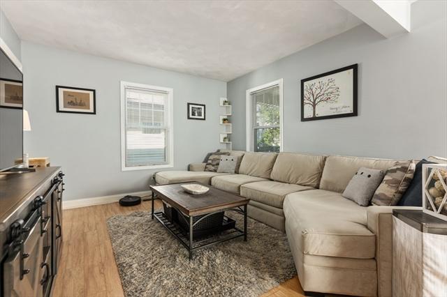 9 Glendale Avenue Peabody MA 01960
