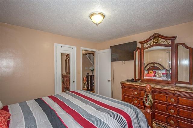 253 Pheland Street Springfield MA 01109