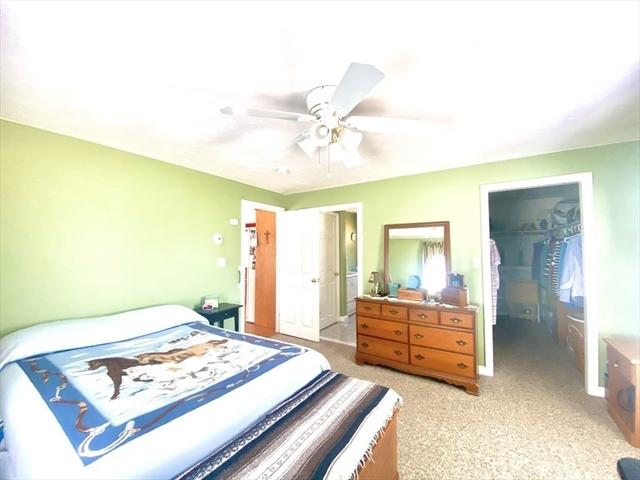 48 Pine Street Rochester MA 02770