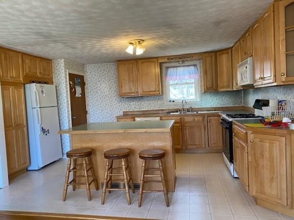 32 Stratton Drive Hudson MA 01749