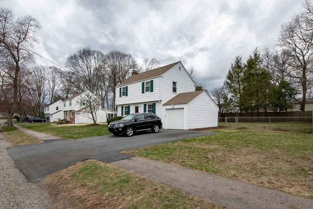 12 Robinhood Road Natick MA 01760