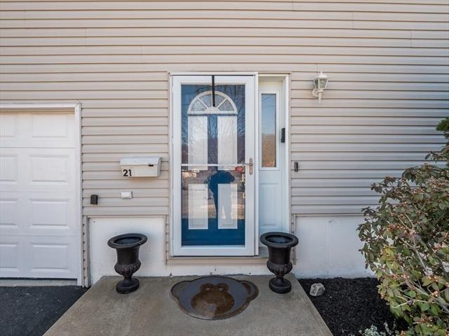 21 Pine Grove Avenue Lynn MA 01905