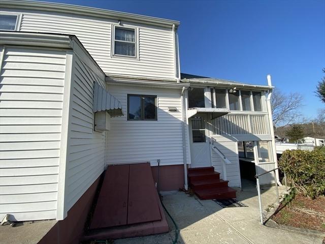 74 Roosevelt Street Seekonk MA 02771