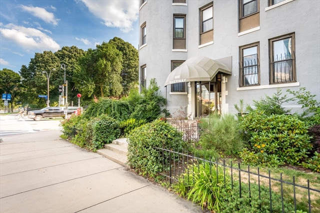 100 Riverway Boston MA 02215