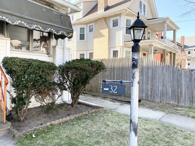 32-34 Rittenhouse Terrace Springfield MA 01108