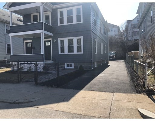 93-95 Wellsmere Rd, Boston, MA 02131
