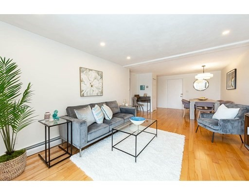 1 Bed, 1 Bath home in Arlington for $424,900