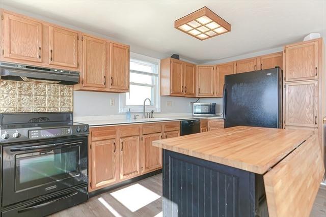 11 Moreland Avenue Hull MA 02045