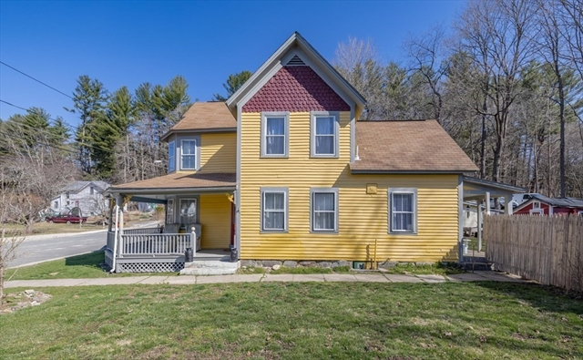 17 Pleasant Street Huntington MA 01050